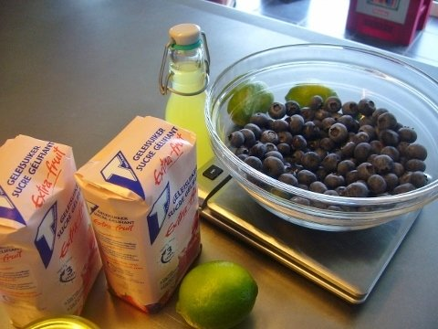 Blauwe-bessenconfituur-met-limoncello