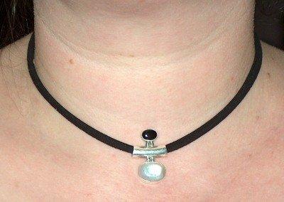 hanger-rbmaansteen-onyx-hals